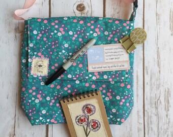 Messenger bag downloadable PDF pattern, make your own bag, cross body bag, messenger bag, cross body purse, shoulder bag,