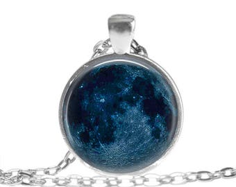 Moon Necklace Moon Phase Jewelry Moon Keychain Celestial Jewelry Moon Phase Pendant New Moon Necklace New Moon Jewelry Astronomy Gift