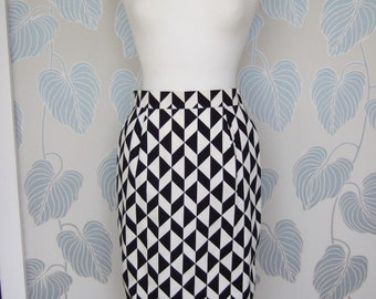 1990s Louis Féraud Monochrome Geometric Pencil Skirt