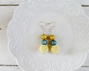 Crochet beaded earrings, yellow earrings, springtime earrings, ready to ship, handmade, wooden beads, crochet earrings, crochet jewelry