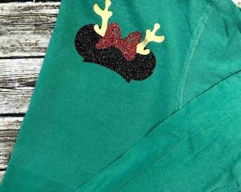 Christmas Disney Shirt - Minnie Ears Monogram - Green and Red Glitter Vinyl - Comfort Color - Monogram Tee - Disney Shirt - Sweatshirt