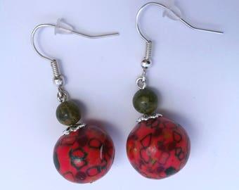 Earrings red and khaki stone