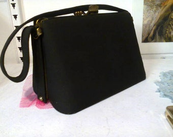 Shapely Vintage 1950's Box Bag