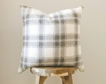 "GRAY PLAID FLEECE - 18x18"" Pillow Cover, Gray/White"