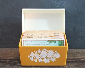 Vintage Recipe Card Box,Hand Written Recipe Cards,Vintage Recipe Cards,1970's Recipe Box,3 x 5 Recipe Box Hand Written Cards,Vintage Recipes