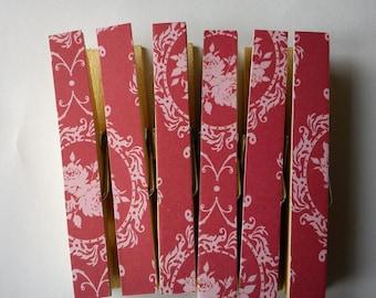 Tilda Wintergarden Pegs Clothespins Magnets Raspberry