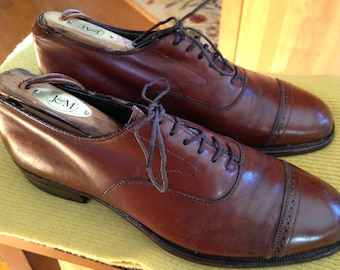 Cap Toe Shoes - Johnston & Murphy - Size 7D- small