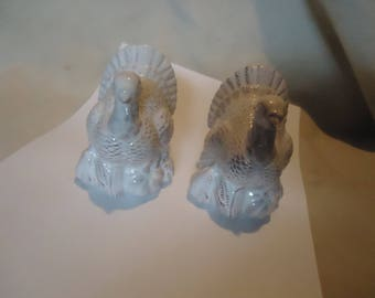 Vintage White Turkey Set Of Salt and Pepper Shakers, Have Stoppers, collectable