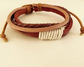 Light brown leather bracelet