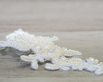 White Ivory lace hair comb Bridal hairpiece Bridal Flower wedding hair accessory wedding hairpiece Lace Hair Accessories vintage style boho