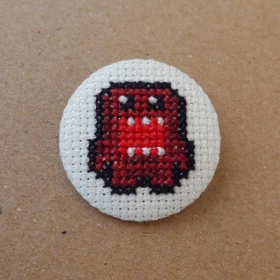 Domo-kun cross stitch 31mm pinback button - Embroidered geek brooch