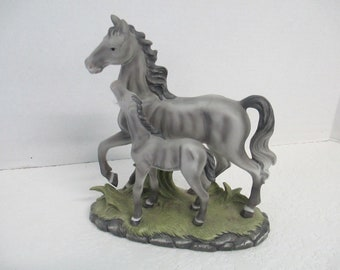 Vintage Horse Gray Mare and Foal Figurine used good condition