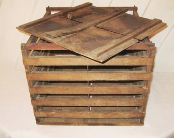Antique chicken crate with lid, , animal carrier, wood crate/ bin/ boxprimitive farmhouse decor, rustic country decor, gift for John, 1244