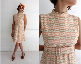 Vintage 60s Mod Pink and Tan Textured Brocade Belted Party Shift Dress with Pockets by Jane Justin for Don Sophisticates | Medium