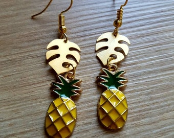 Very pretty pair of earrings style tropical with pineapple and palm leaf