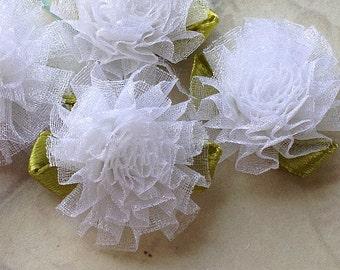 28 mm White Organza Tiny Carnation Flowers (.tc)