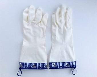 Football Latex Free Cleaning Gloves. Size Large. Indianapolis Colts Dishwashing Gloves for Men. Fathers Day Sports Gift. Kitchen Work Gloves