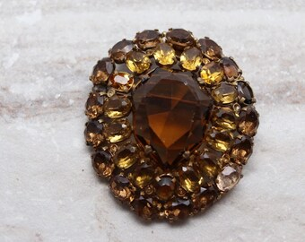 Vintage Czech Amber brooch, Czechoslovakia Amber glass brooch in gold-tone setting, Mid-century brooch, estate jewelry, Signed estate brooch