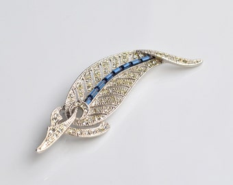 Blue leaf vintage brooch