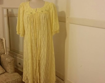 SALE Price * Vintage Yellow Lace Tie-Up Robe - Complimentary Shipping