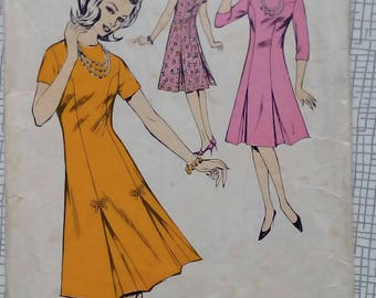 """1960s Dress - 32"""" Bust - Le-Roy 665 - Vintage Sewing Pattern"""