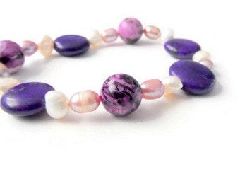 Stone beads bracelet,purple,sugilite jewelry,stretch bracelet,magnesite,healing crystal,sugilite bracelet,spiritual jewelry,sugilite,pearls