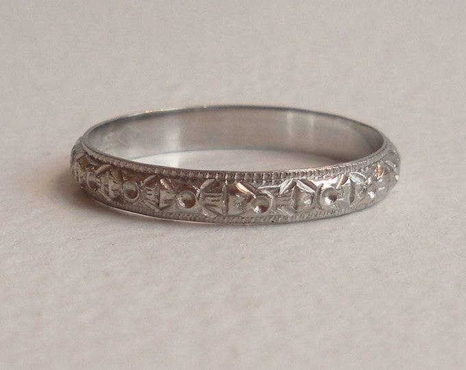 Featured listing image: Intricate Carved Vintage 18k White Gold Wedding Band - Size 4.75