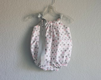 Baby Girls White Bubble Romper - White Sun Suit with Pink and Gray Polka Dots - Baby Girls+ Layette - Size Nb, 3m, 6m, 9m, 12m or 18m