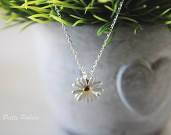 Daisy Necklace in Silver/ Gold. Flower Necklace. White Daisy. Blossom. Garden. Botanical. Floral. Sweet and Cute. Girls  (PNL-48)