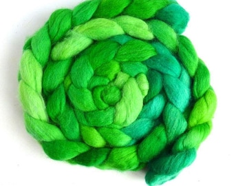 Shamrocks, Shetland Roving - Handpainted Spinning or Felting Fiber