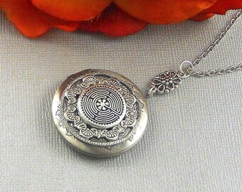 Labyrinth Locket, Silver Locket, labyrinth, Spiritual Jewelry, Labyrinth Necklace, Religious Locket,  metaphysical, Medieval Maze