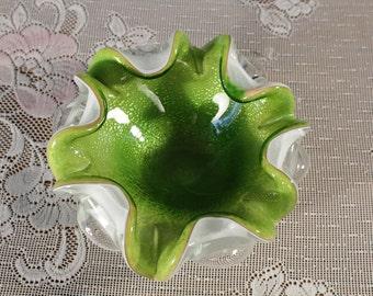 Green Murano italienische Kunst Bullicante Glasschale mit Silber Flecken weiß Glas Konsole Schale 6 Backen Rand Herzstück Bonbonniere Aschenbecher