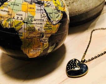 Nek-lace - Necklace - African inspired - heart pendant - north east africa point