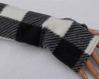 BLACK and White Fingerless TEXTING Fleece Gloves