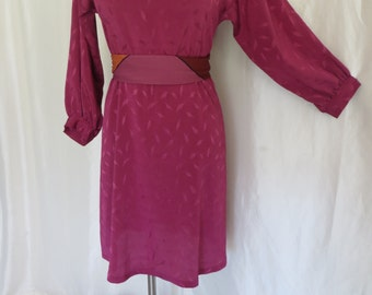 Vintage 70s womens dress, long sleeve raspberry size M L, day office business church