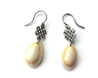 Cowry shell earrings, Hawaiian seashell earrings, surfer girl earrings, beach jewelry, seashell earrings, Hawaiian seashell jewelry