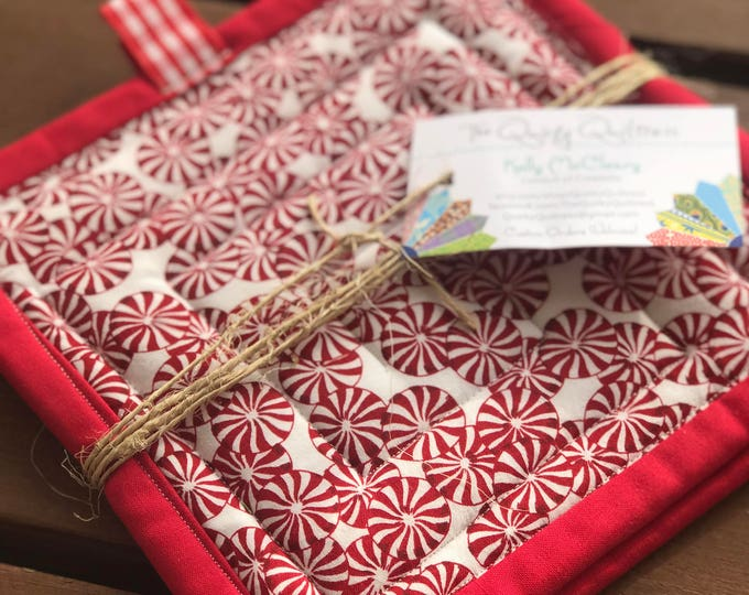 Handmade Quilted Pot Holders - Peppermint Swirl - Gifts under 20