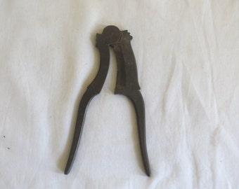 Betel nut cutter- Medium sized
