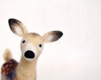 Felt Toy White Tailed  Deer - Hanna, Felt Doe woodland plush animals, felted deer, Marionette, Stuffed Animal  gift for kids, nursery decor
