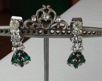 Vintage green rhinestone dangle earrings with clip on back