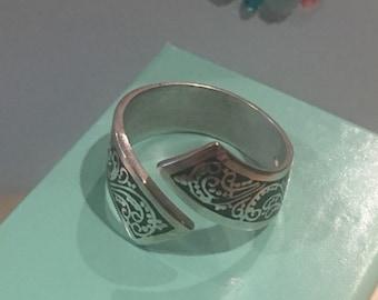 Silver Vitreous Hot Enameled Women's Ring Band Unusual Custom made design