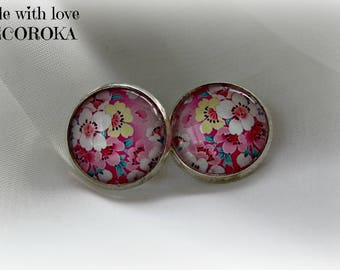 Cabochon FLOWER clip earrings