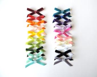 Baby Velvet Bow / Velvet Bow / Toddler Hair Bow / Baby Bow / Dainty Bow / Bow Headband / Pigtail Bows / Dainty Hair Bow / You Choose Color
