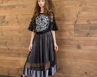 Gorgeous Flowing Skirt Fine Mesh and Velvet
