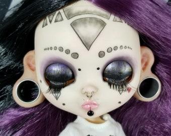 "Custom Blythe ""Lucy"""