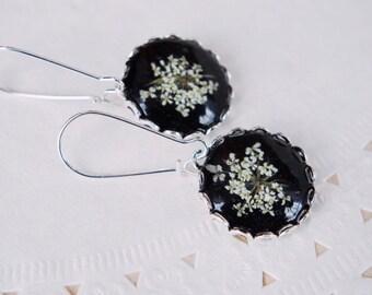 Real Flower earrings White Queen Anne's flower jewelry Dangle earrings  Botanical jewelry Pressed flowers Botanical jewellery Gift for women