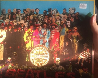 Vintage Stereo Beatles Sergeant Pepper's Lonely Hearts Club Band Vinyl Record Album With Cutouts