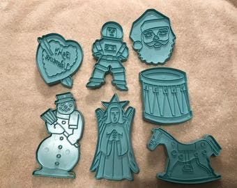 7--Vintage Plastic--Christmas Cookie Cutters--Stanley Home Products--Blue
