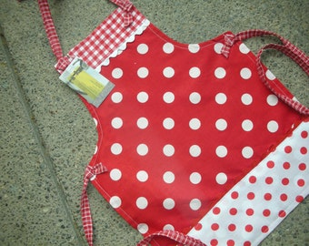 Aprons - Girls Red Polka Dot Aprons - I Love Lucy Aprons - Mother and Daughter Matching Aprons - Handmade Girls Aprons - Annies Attic Aprons