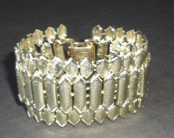 Vintage Coro Pegasus Gold tone Chunky Bracelet.
